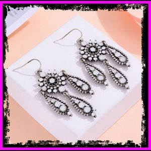 🆕 Antique Silver Crystal CZ Diamond Earrings